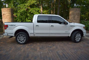 2013 Ford F-150 4WD LARIAT-EDITION